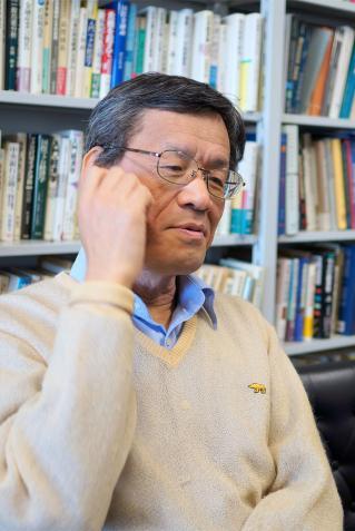 著者インタビュー | BOOKSCAN(ブックスキャン) 本・蔵書電子書籍化 ...